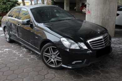 Unfallschaden-Mercedes-E-Klasse-Unfallgutachten