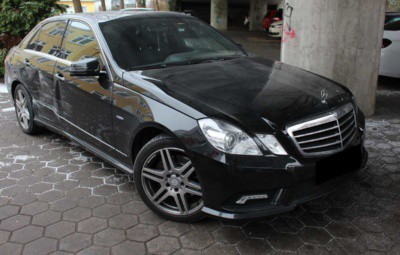 Unfallschaden Mercedes E-Klasse Unfallgutachten