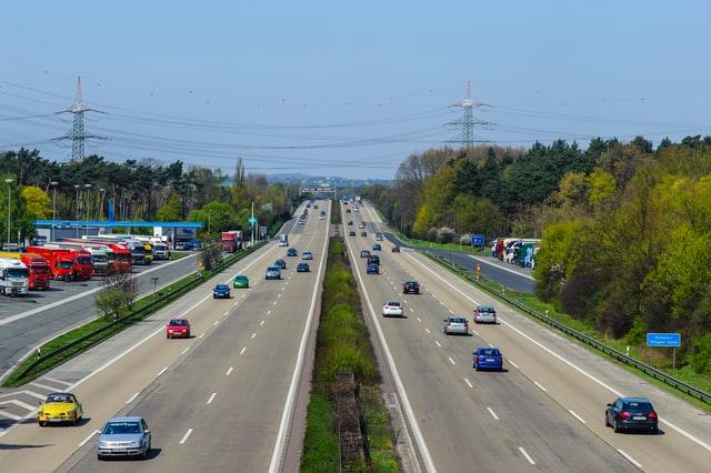 autobahn - Verhalten bei einem Unfall? Das sollten Sie über den möglichen Ernstfall wissen